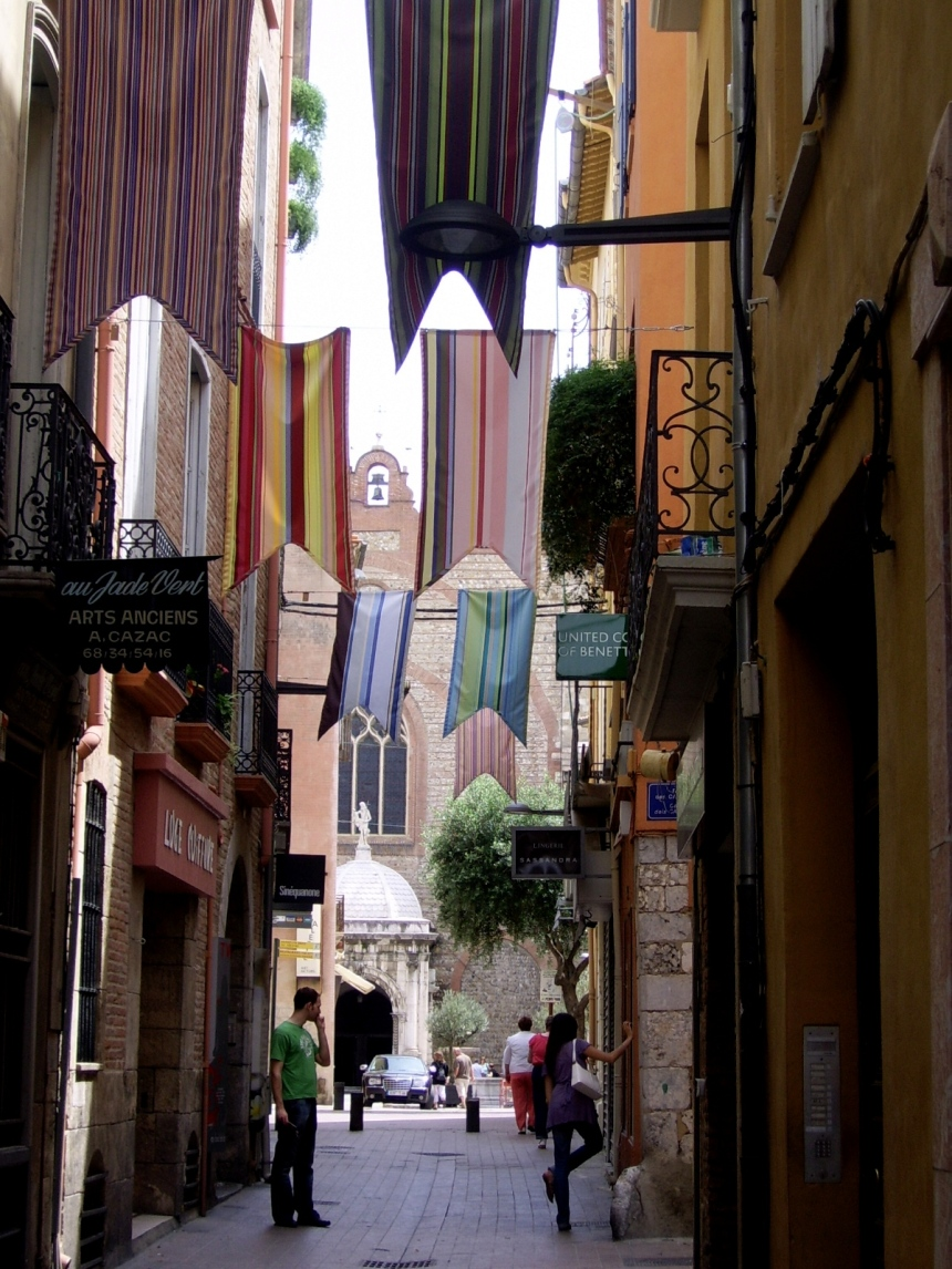 Streets and flags of Perpignan