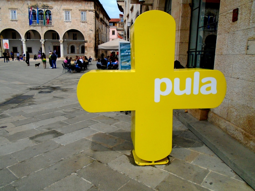 Pula sign in the town square