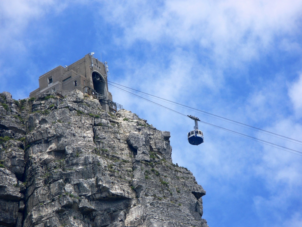 cable cart to table mountain