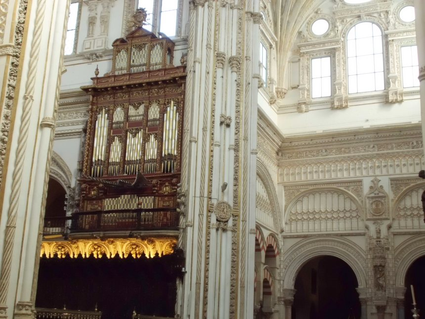 The great organ of the Mezquita