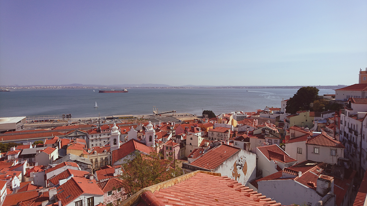 10 things to do in Lisbon Alfama viewpoint