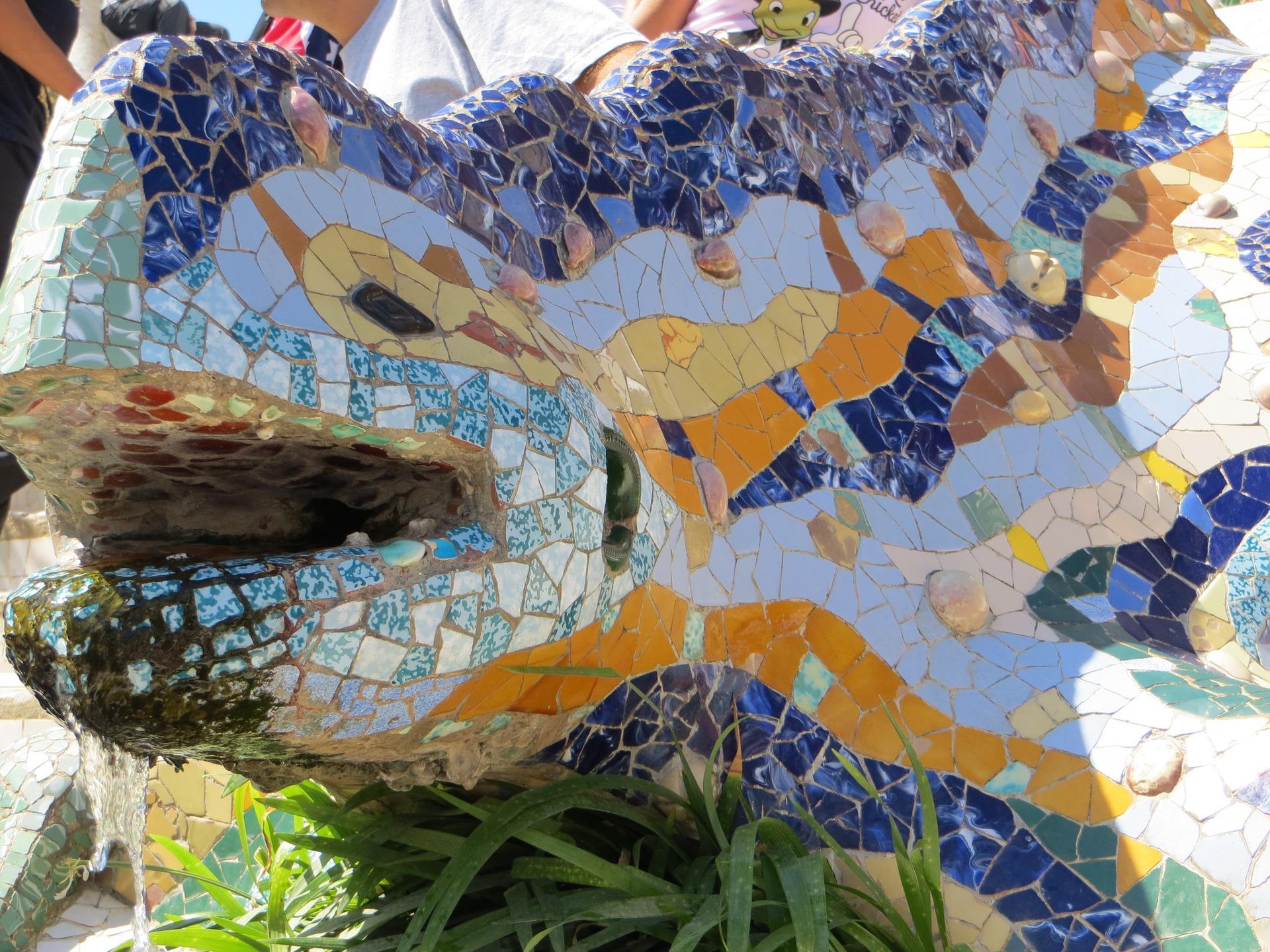 Barcelona Gaudi Parc Guell lizard